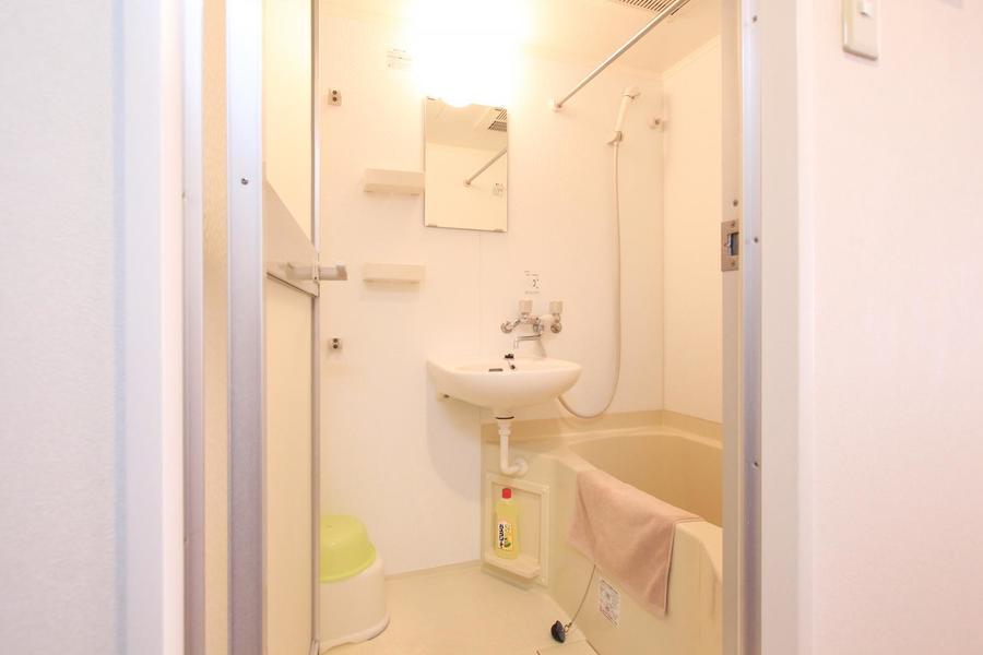 バスルームは浴室乾燥機能を搭載。急なお洗濯物も安心!