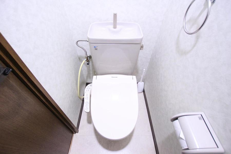 お手洗いはこだわる方も多いセパレートタイプ