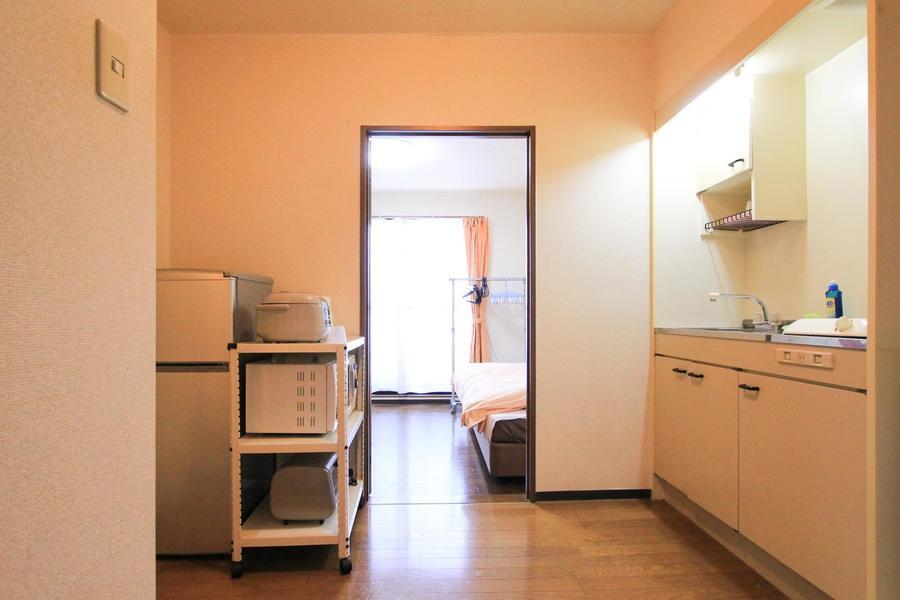 キッチン前は充実の広さ。たっぷり4帖でお料理も楽しめます