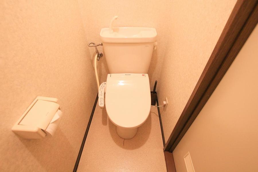 お手洗いは人気のセパレート&シャワートイレタイプ