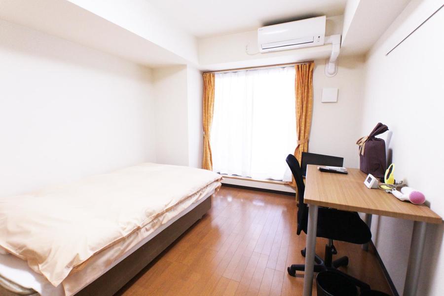 お部屋はゆとりある7.8帖。狭い、動きにくいといった心配もありません