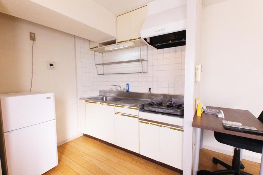 キッチンは広めのシンクと作業スペースが魅力的