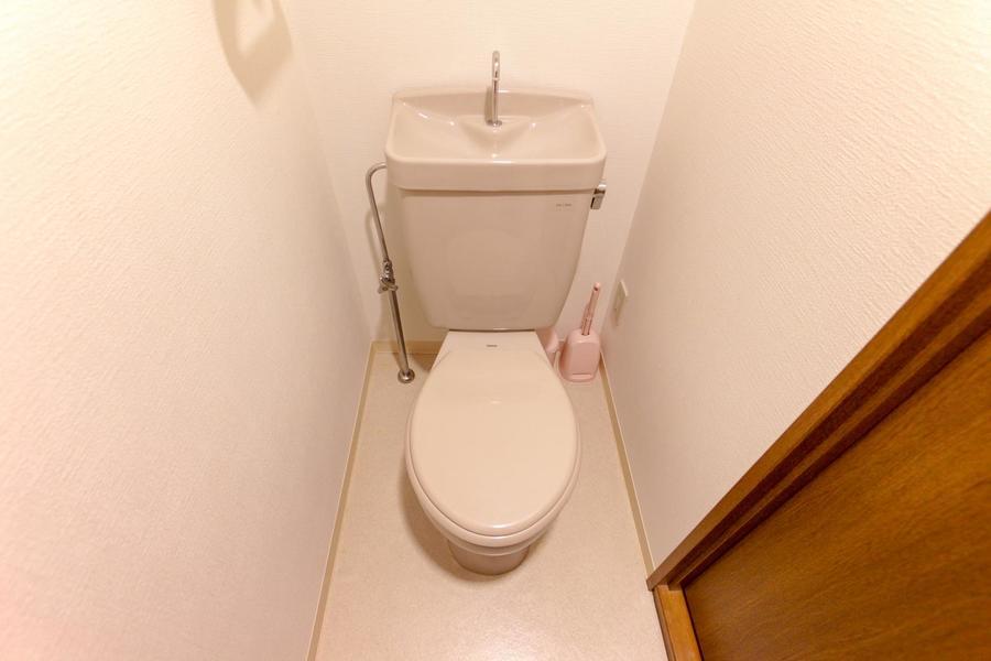 お手洗いはセパレートタイプで衛生面も安心