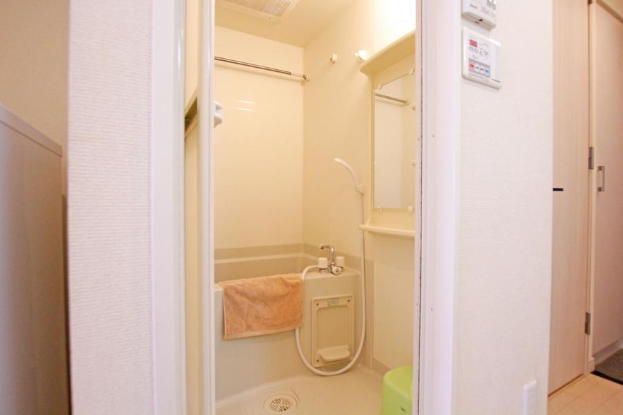 癒やしの空間・バスルーム。嬉しい浴室乾燥機能つきです