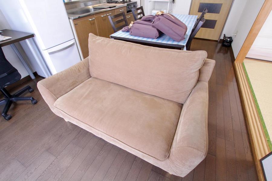 ゆったりくつろげるソファ。ゆとりのプライベートタイムに!
