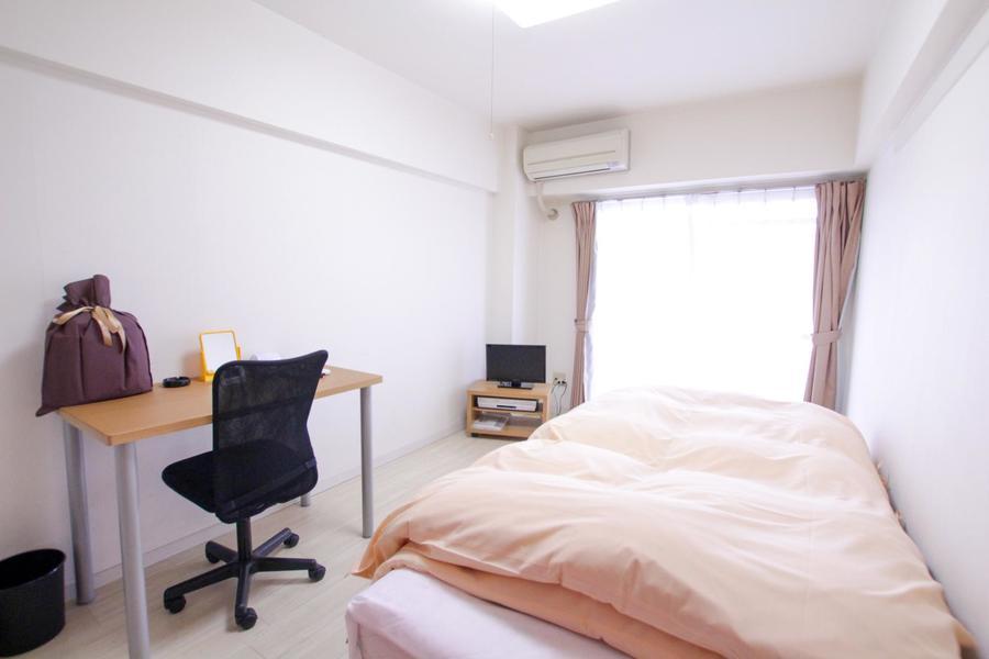 家具類を置いても狭さを感じさせないゆとりあるお部屋です