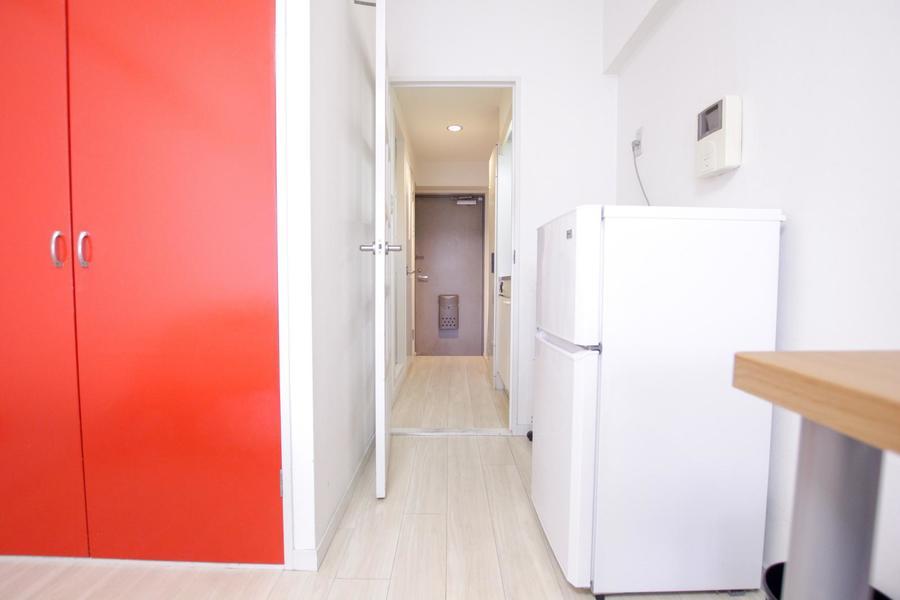 お部屋と廊下の間には仕切り扉がありプライバシー確保にも役立ちます
