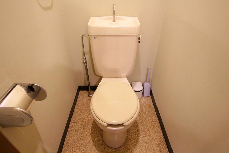 お手洗いはアイボリー系でまとめ、柔らかな印象