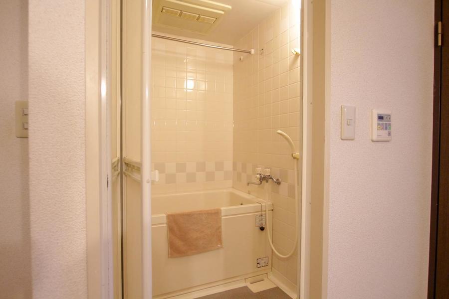 癒やしの空間・バスルーム。浴室乾燥機能付きで便利です