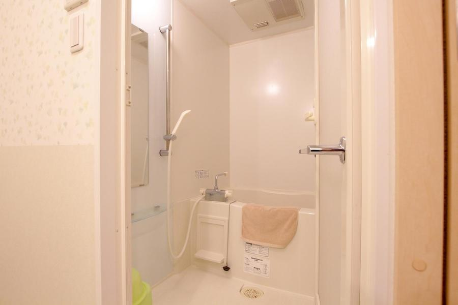 ゆったりくつろげる浴室。やすらぎのバスタイムをお楽しみいただけます