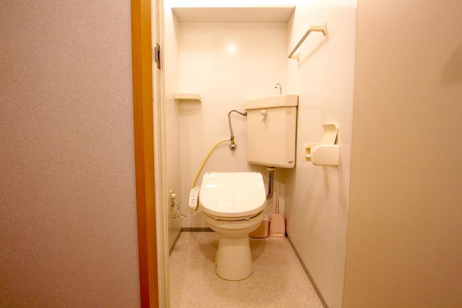 お手洗いはセパレートタイプ。衛生面も安心です